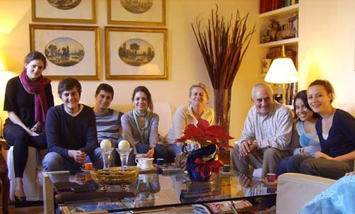 Jessica poses with her Spanish host family